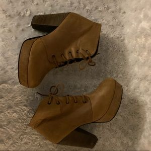 Steve Madden Raspy Lace Up Ankle Boots.